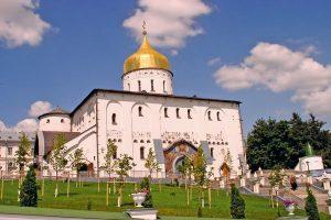 pelerinaje-la-manastirele-din-kiev-poceaev--1-–-5-aprilie_1[1]